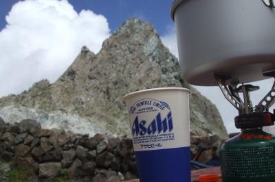 槍ヶ岳を見ながらの昼食
