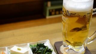 海山の幸で地酒を飲む