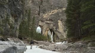 凍りついた川を歩く アイスウォーク体験 #冬のカナディアンロッキー