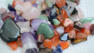 奇石博物館が侮れない。大人も夢中で宝石探し