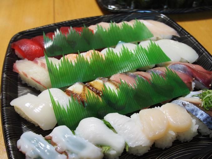 スシロー持ち帰り寿司1
